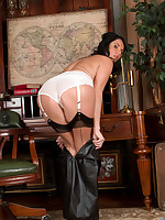 Anilos.com - Freshest mature women on the net featuring Anilos Leah lady anilos