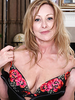 Mature Pictures Featuring 51 Year Old Rachel Woodbury From AllOver30