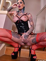 Hardcore Rotterdam - Tattooed Babe Crams Twat With Huge Dildo free photos and videos on DDFNetwork.com